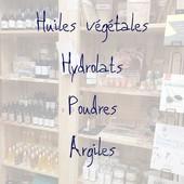[Nouveau !] Petite réorganisation de quelques meubles... pour y accueillir huiles végétales, hydrolats, poudres & argiles 😍  De petites merveilles pour notre peau, & aussi nos recettes de cosmétiques ! À ce propos dès octobre nous aurons une intervenante spécialisée dans les DIY... Pour vous aider à choisir le produit adapté à votre demande, nous mettons à disposition un livret que nous avons élaboré et qui vous permettra d'avoir un résumé de leurs bienfaits 🧐 ― ― ― ― ― ― Gwen & Arnaud, vos épiciers 🌿 ― ― ― ― ― ― On passe au vrac É͏p͏i͏c͏e͏r͏i͏e͏ i͏n͏d͏e͏́p͏e͏n͏d͏a͏n͏t͏e͏, de͏p͏u͏i͏s͏ m͏a͏r͏s͏ 2͏0͏1͏9͏ ⏳ Du Mardi au Samedi : 9h - 19h ♻️ + de ❶❶⓿⓿ références 🏡 117 rue nationale • 36400 La Châtre ✆ 02.54.30.96.93 ⏸ Arrêt-minute ♿ Accès PMR 🛒 www.onpasseauvrac.fr 🟢 Drive / Click&Collect / Livraison en Mondial Relay ― ― ― ― ― ― #onpasseauvrac #zerodechet #ecoresponsable #antigaspi #opav #lachatre #berryprovince #centrevaldeloire #sansemballage #commercedeproximite #vrac #vracindependant #consommerautrement